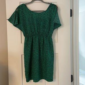 Green lightweight tunic